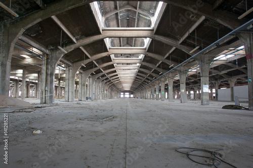 Fotobehang Gebouw in Puin fabbrica abbandonata