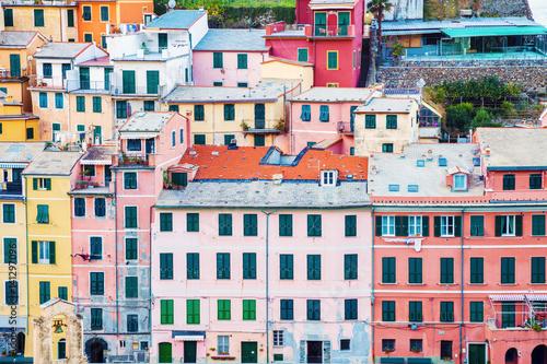 Poster Vernazza - colorful architecture