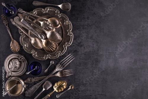 Stary vintage wyposażenie kuchni srebrny z ozdoby