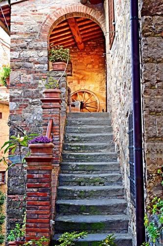 Deurstickers Toscane dettagli del vecchio borgo toscano di Montefioralle