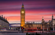 Sonnenuntergang hinter dem Big Ben am Parliament Square in London