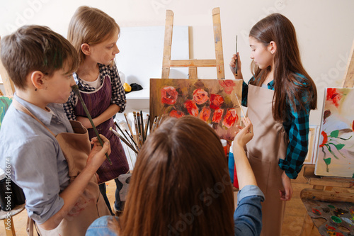 Gifted generation having new topic in the art school