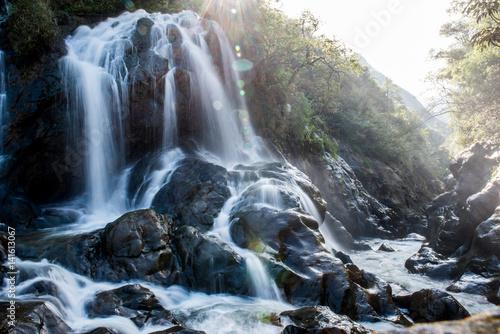 Fototapeta Wasserfall im Gegenlicht