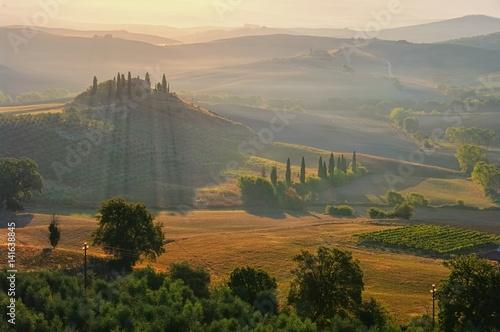Deurstickers Toscane Landschaft in der Toskana am Morgen - landscape in Tuscany in autumn