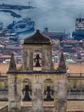 Eglise et vue sur le port
