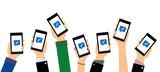 Personen zeigen mobile Benachrichtigungen - 142140297