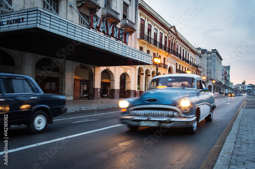 Staande foto Havana Old car on street of Havana at sunrise, Cuba
