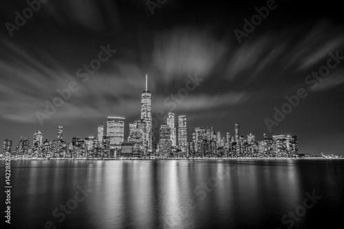 Foto op Aluminium New York Manhattan Skyline framed by clouds in long exposure