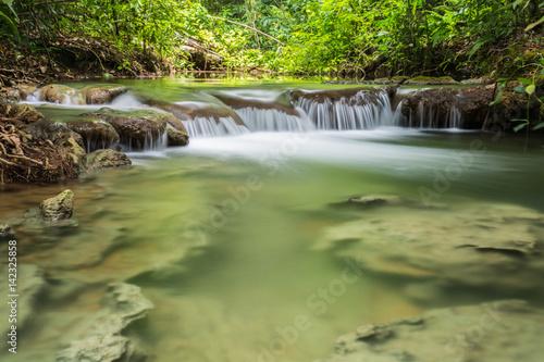 Wasserfall am Rio do Peixe bei Bonito, Mato Grosso do Sul, Brasilien - 142325858