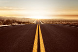 Droga w stronę zachodu słońca