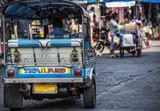 traffico e trasporti a Bangkok con il tuk tuk