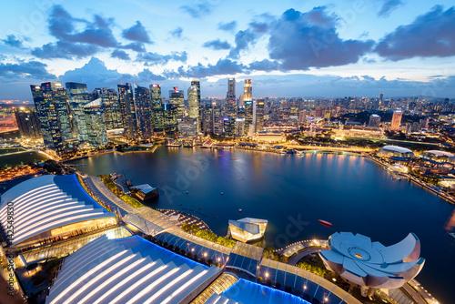 Obraz na plátne Elevated view of Singapore Skyline at night