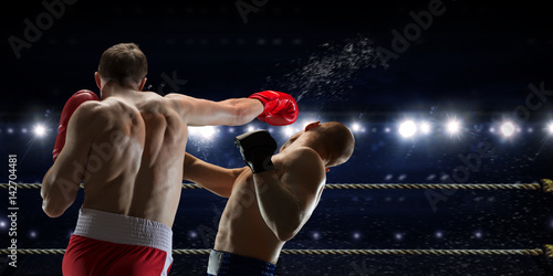 Box match best moments . Mixed media