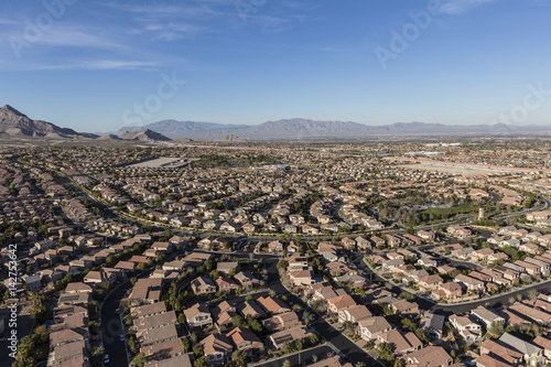 Tuinposter Las Vegas Aerial view of modern homes in the Summerlin area of Las Vegas, Nevada.