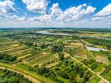 Krajobraz wiejski z lotu ptaka. Rzeka Wisła. - 143169292