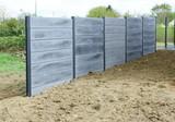 pose de clôture en béton gris  - 143186042