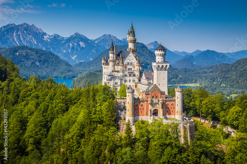 Leinwanddruck Bild Schloss Neuschwanstein in summer, Bavaria, Germany