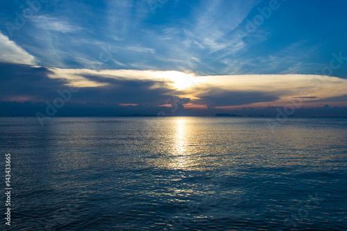 Foto op Canvas Zee zonsondergang Beautiful landscape. The sea in the evening. Beautiful sunset