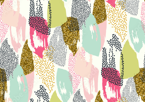 Vector seamless pattern with hand drawn gold glitter textured brush strokes - 143491495