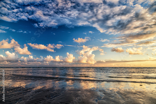 Fotobehang Noordzee Drama Sky