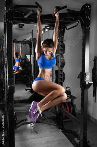 Fotobehang Basketbal Sexy hot brunette fitness bikini girl with perfect shape body