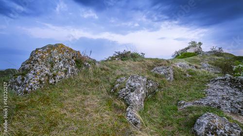 Landschaft mit Felsen im Burgenland bei Oggau