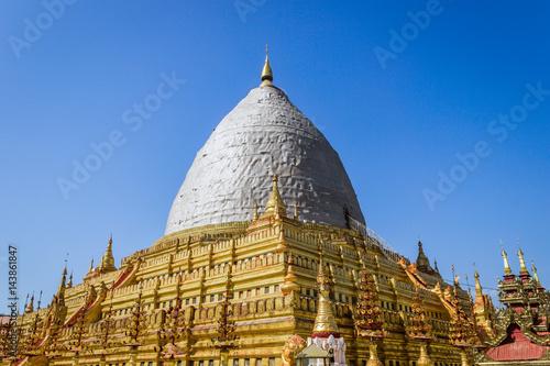 Poster Earthquake affected at Shwezigon pagodas to be renovate