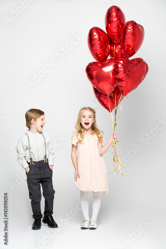 Kids with air ballons