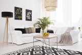White and black lounge - 143948048