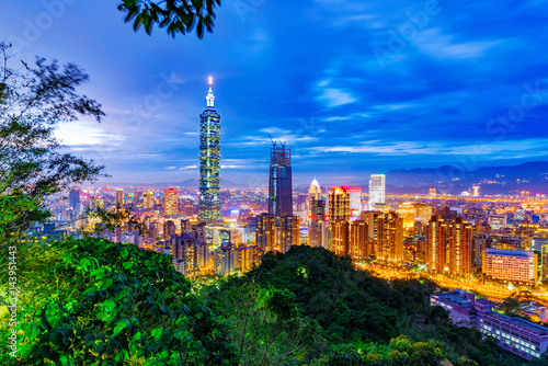 Foto op Canvas Texas Night view of Taipei with nature