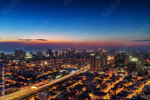 In de dag Barcelona Metro Manila Skyline at Nightfall
