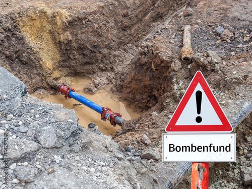 Warnschild Bombenfund Poster