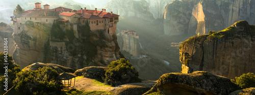 Aluminium Freesurf Mysterious hanging over rocks monasteries of Meteora, Greece