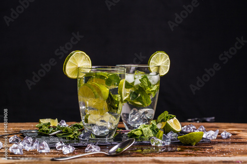 Poster Mojito at wooden brown table