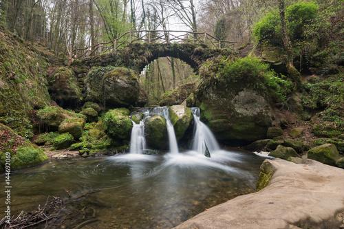 Wasserfall - 144692069