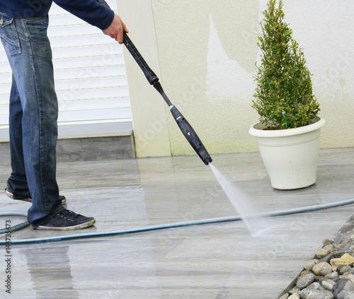 lavage d'une terrasse au nettoyeur haute pression