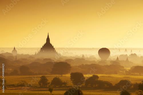 Poster Land of a thousand pagodas in Bagan, Myanmar