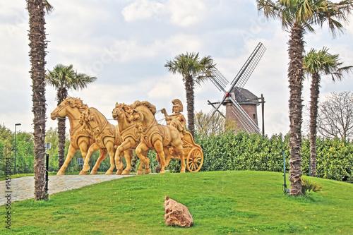Quadriga und Windmühle in Kevelear Twisteden