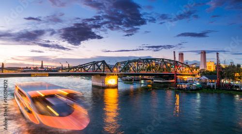 Foto op Canvas Phuttha Yodfa Bridge - Bangkok , Thailand