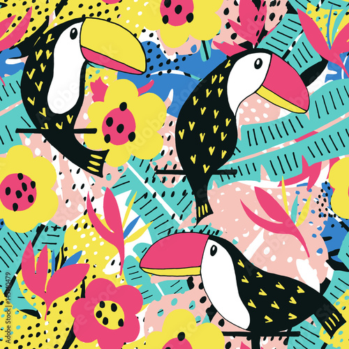 Toucan floral pattern - 145140479