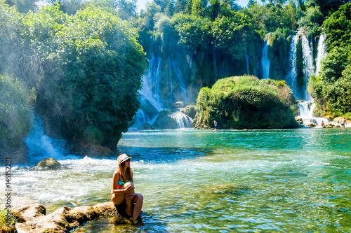 Papiers peints Olive Girl near Kravice Waterfall Bosnia
