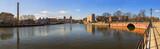 Panorama Gdańska w słoneczny dzień z błękitnym niebem