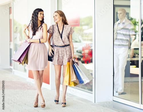 Poster Enjoying Shopping