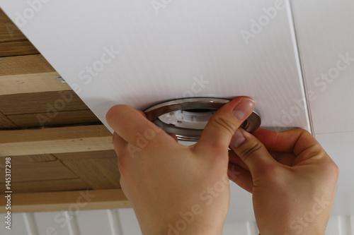 Fassung für LED Lampe einbauen 7 Poster