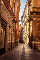 Fototapeta Wąski stary pas w Parmie, Emilia-Romagna, Włochy.