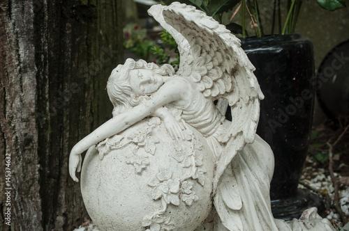 détail ange au cimetière Poster