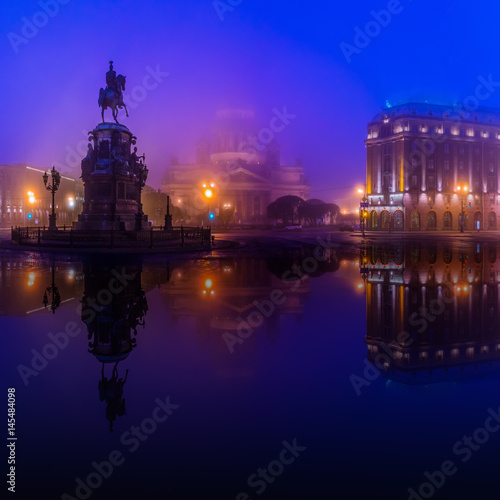 Foto op Canvas Violet St. Isaac's Cathedral and Monument to Emperor Nicholas I (Saint-Petersburg)