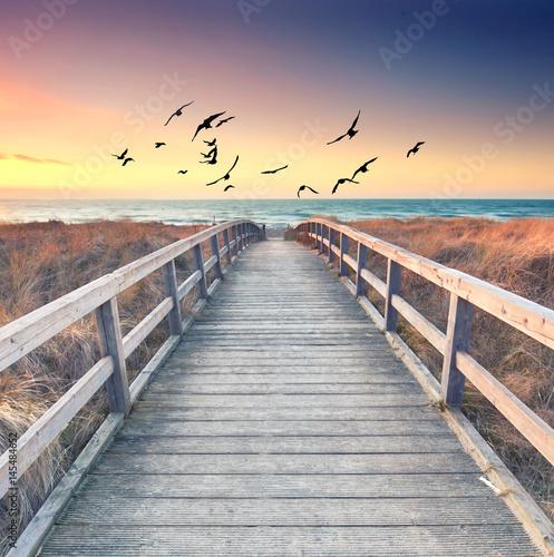 romantischer Sommerabend am Meer - 145484652