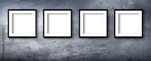 quadri moderni su parete industriale © Giuseppe Porzani