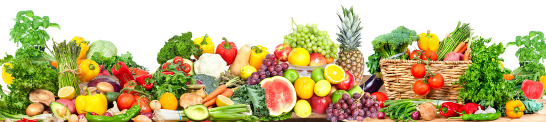 Vegetables and fruits background © Kurhan
